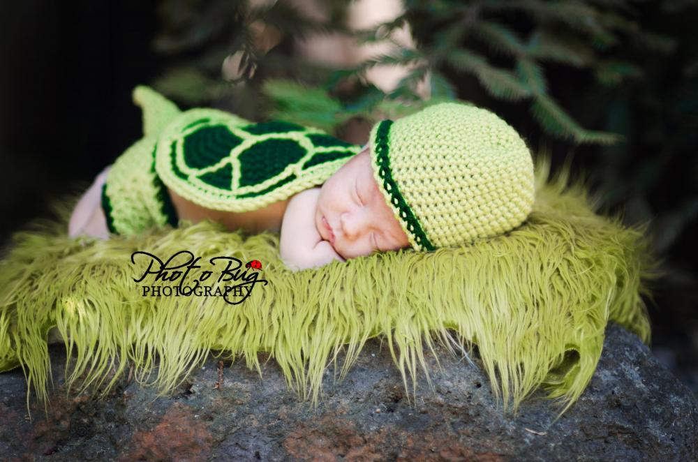 Crochet Baby Turtle Hat And Shell Pattern Free : Turtle Shell, Hat, And Diaper Cover Crochet Pattern on Luulla